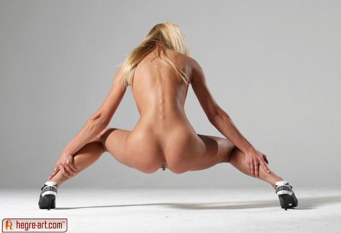 голые сзади на каблуках фото