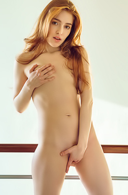 Redhead Angel Jia Lissa In Pink Panties